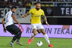 Malaysia nhập tịch tiền đạo Brazil đấu Việt Nam
