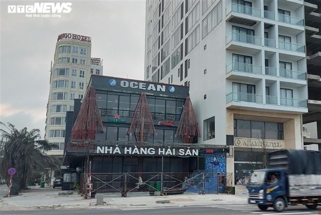 Vắng khách, nhà hàng, dịch vụ du lịch ven biển Đà Nẵng hoang vắng, tiêu điều