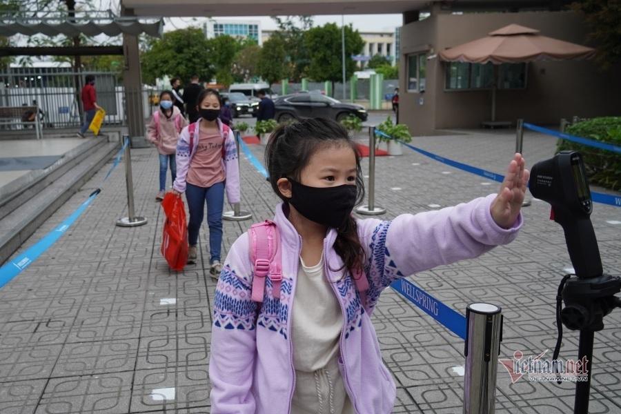 Gần 2 triệu học sinh Hà Nội háo hức trở lại trường