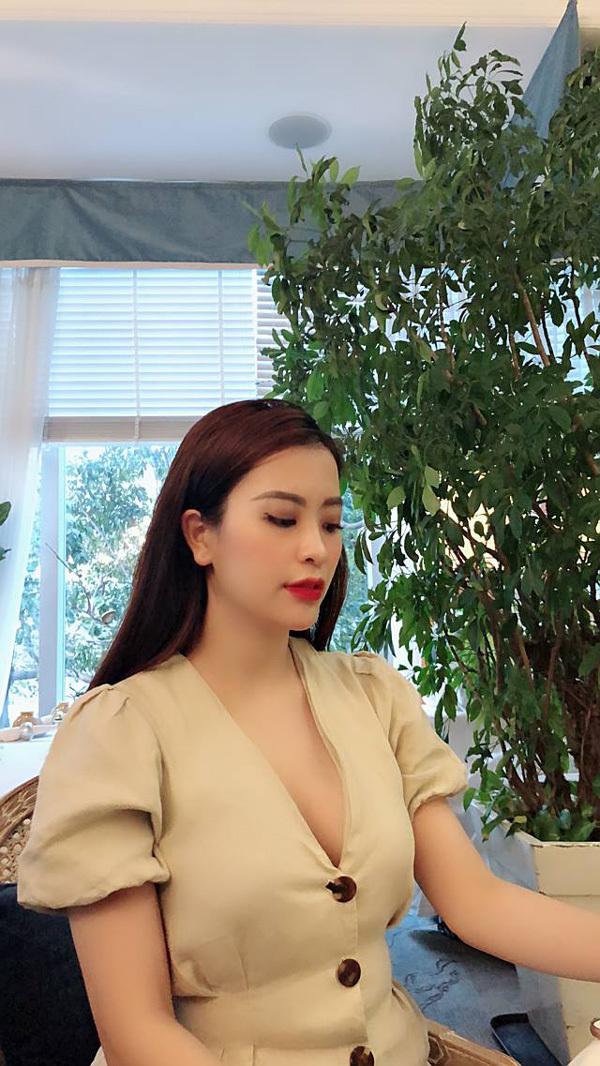 Cô chủ xinh đẹp của Ellen Trang Store chia sẻ bí quyết thành công