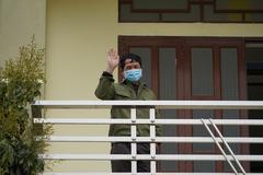 Cảnh háo hức trong thôn bị cách ly đầu tiên ở TP Chí Linh trước giờ gỡ phong toả