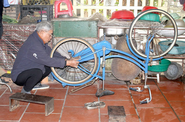 Revamped bicycles changelives of disadvantaged students