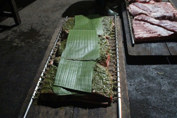 Roast pork belly, a must-try dish from Duong Lam ancient village