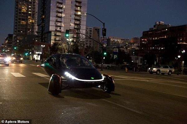Cận cảnh chiếc xe điện 'không cần sạc', giá chỉ 600 triệu