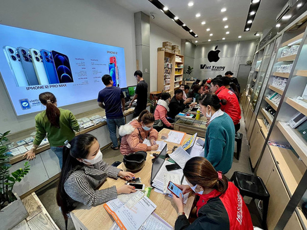 Việt Trung Mobile - điểm đến cho tín đồ điện thoại 'táo khuyết'