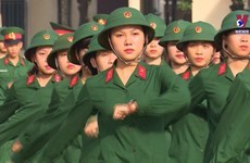 Women enlisting in the army