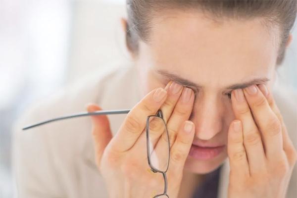 Bạn vô tình làm hại đôi mắt như thế nào