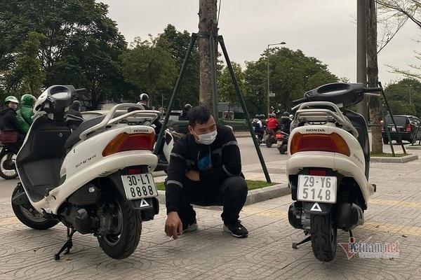 Cặp đôi Honda Spacy giá gần 600 triệu đồng ở Hà Nội