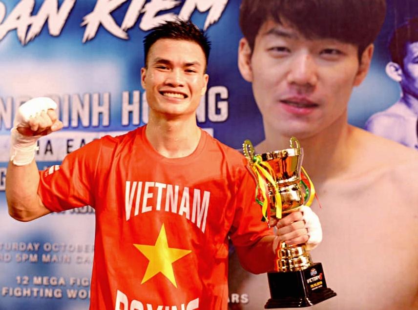 Từng bị chê là 'gà con', 9X làm được điều boxing Việt Nam chờ đợi suốt 32 năm