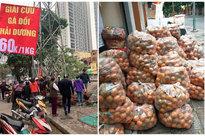 """Người dân Hà Nội xếp hàng mua gà """"giải cứu"""" 60k/kg, thị trường online thêm tấp nập với cam Hà Giang 7k/kg"""