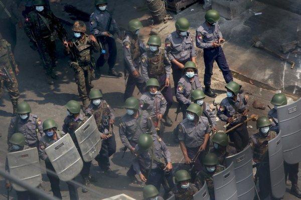Bạo lực tái diễn ở Myanmar, ít nhất 13 người thiệt mạng