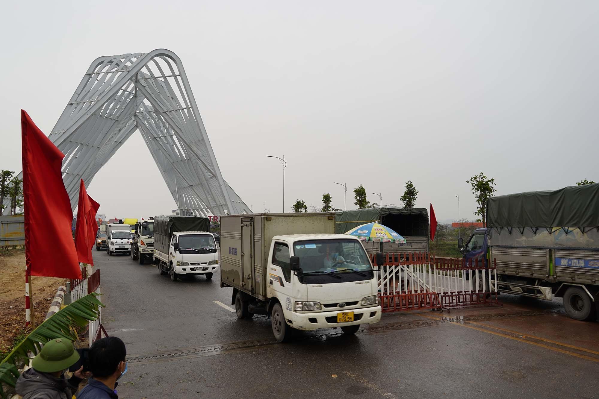 Chốt kiểm soát ở cửa ngõ Quảng Ninh được dỡ, hàng hoá lưu thông nhịp nhàng