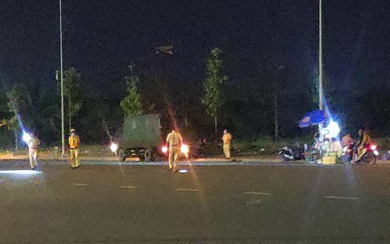 Nhóm thanh niên diễn trò đua xe trái phép, hai người bị thương nặng