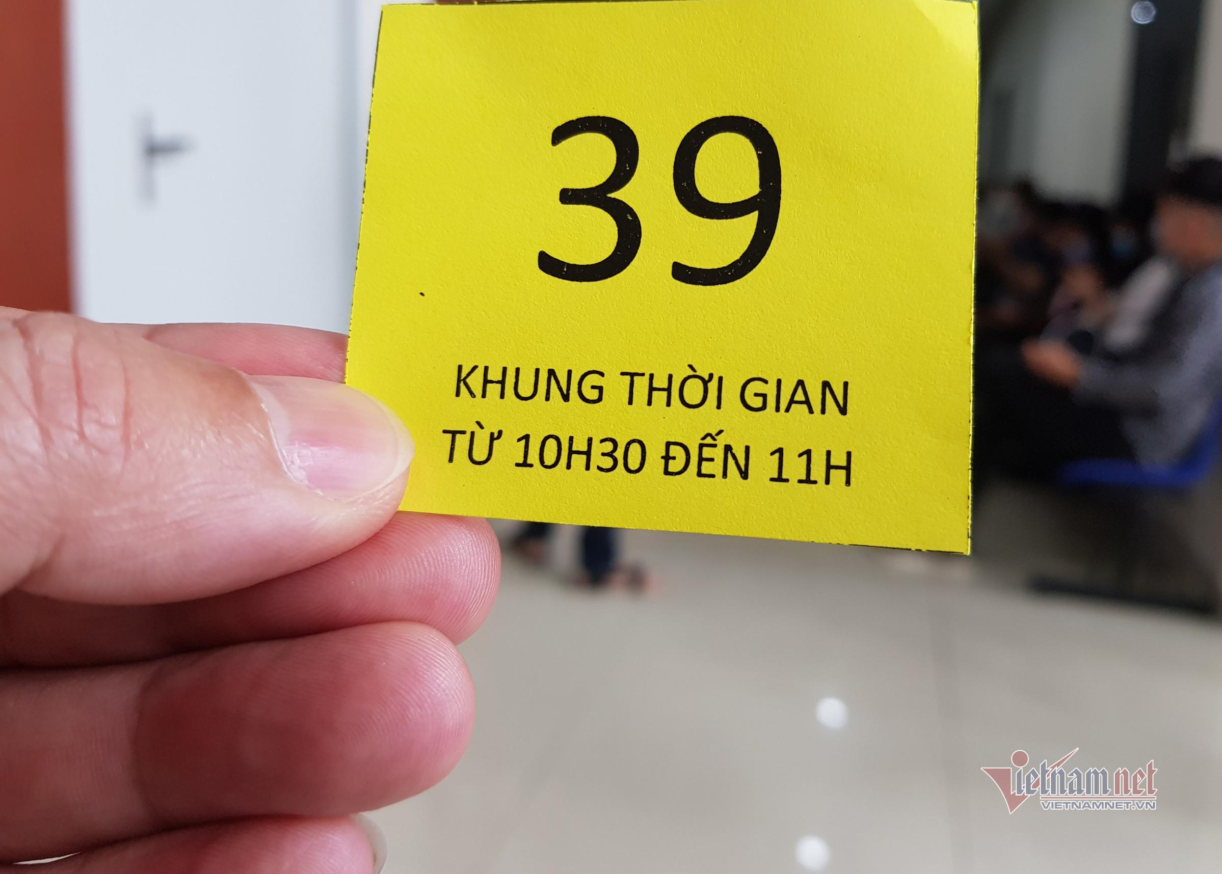 Công an Đà Nẵng làm thêm ca, tổ chức cấp căn cước công dân lưu động