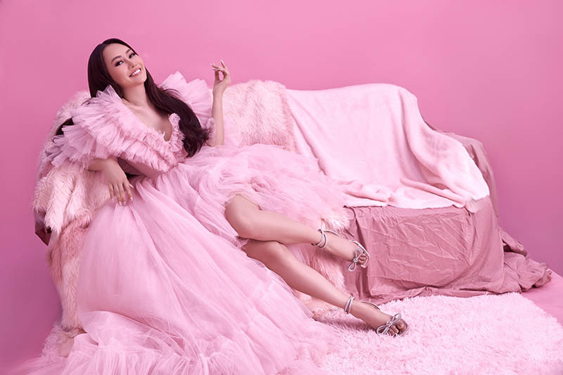 Á hậu Phạm Kim Duyên trở lại sau một năm chữa bệnh trầm cảm