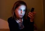 Phụ huynh tại Anh chật vật để con có Internet