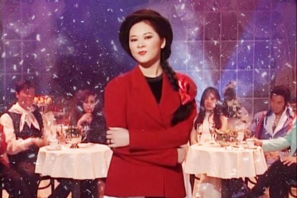 Ca sĩ Như Quỳnh đẹp phúc hậu ở tuổi 51