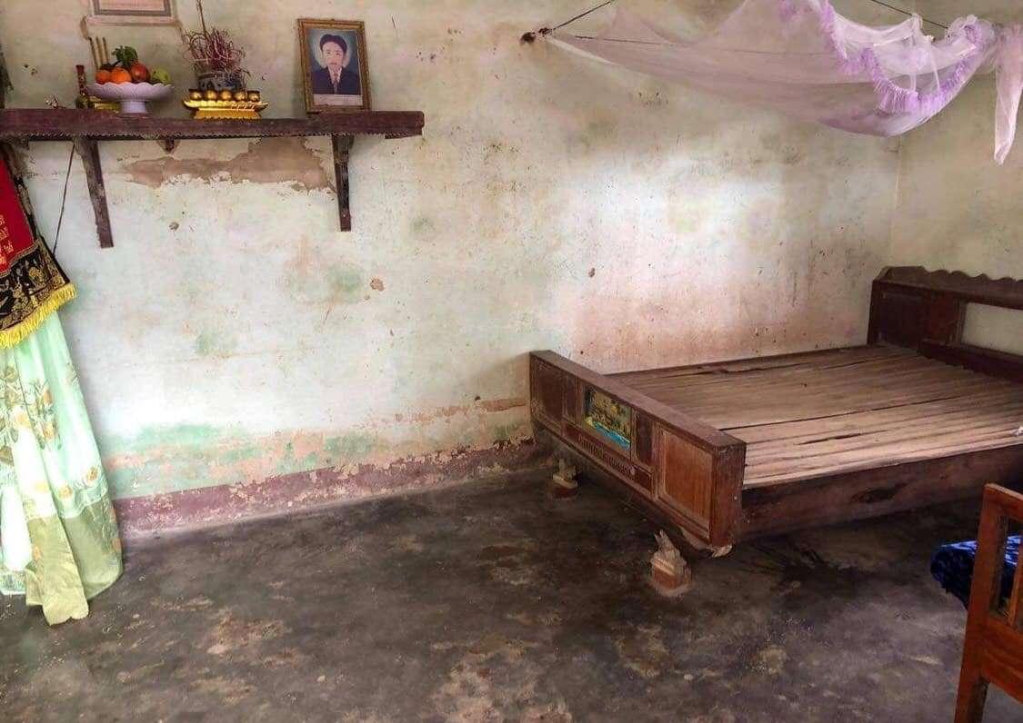 Vợ chết, chồng tâm thần treo cổ tự tử vì không nuôi nổi 2 con