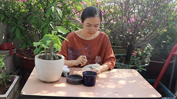 Paintings on sacred fig leaves now popular gifts