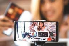 Livestream bán hàng - tiềm năng và thách thức
