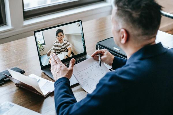 10 bí kíp ứng phó với buổi phỏng vấn tuyển dụng online