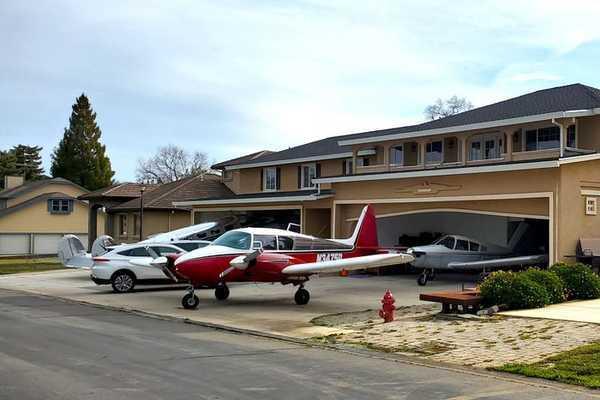 Khu dân cư Mỹ nơi mọi người lái máy bay đi làm