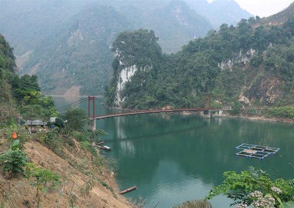 Dien Bien travel,Tua Chua plateau,Pe Rang Ky cave