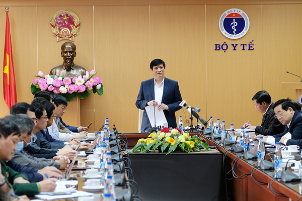 Bộ trưởng Y tế: Việt Nam tiêm vắc xin Covid-19 thận trọng hơn các nước