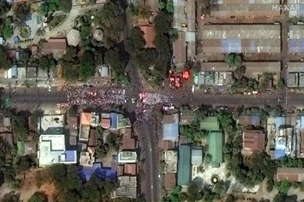 Hình ảnh biểu tình ở Myanmar nhìn từ vệ tinh