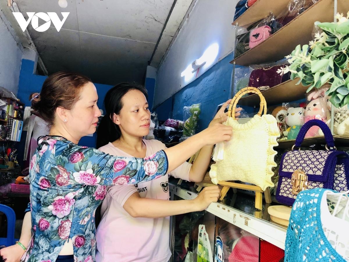 Cô gái trẻ khởi nghiệp len handmade thành công từ 1 triệu đồng