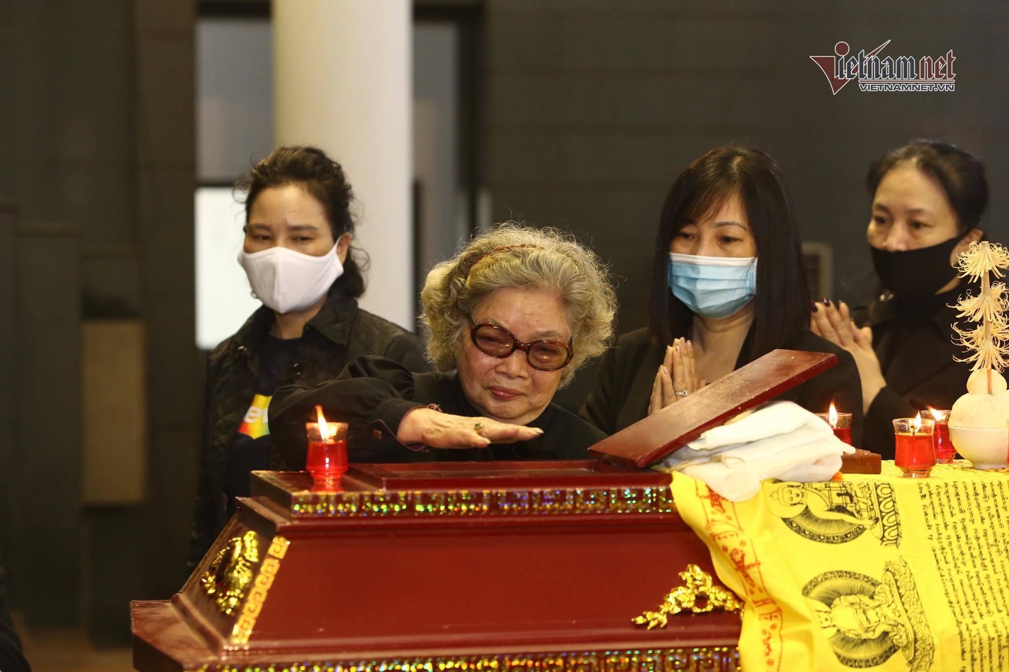 'NSND Trần Hạnh tình cảm, sống tốt, 10 năm anh chăm sóc vợ ốm'