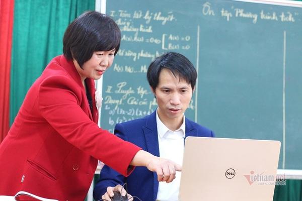 Từ con số 0, trường học 'lột xác' thành điểm sáng dạy học trực tuyến