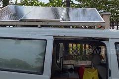 Xe nhà di động lắp pin mặt trời ở Sài Gòn được lên báo ngoại