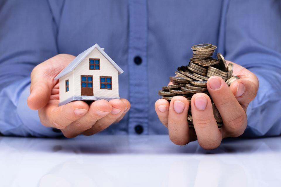 Vay cố tiền mua nhà đất, vật vã chi tiêu còng lưng trả nợ