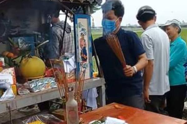Hai anh em ở Thanh Hóa chết đuối dưới hố chôn cột điện