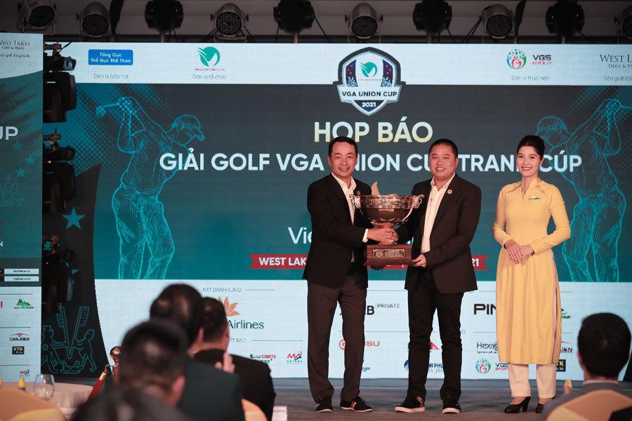 Hai đội tuyển golf Bắc, Nam so tài tranh VGA Union Cup 2021