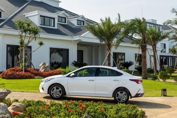 Trẻ trung, năng động 'từ trong ra ngoài' với Hyundai Accent 2021