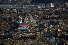 Xem lại những khoảnh khắc kinh hoàng thảm họa động đất-sóng thần ở Nhật