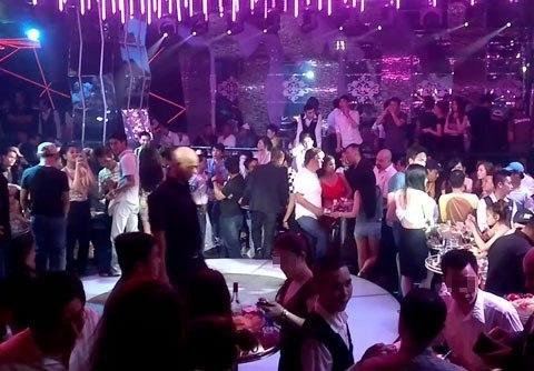 TP.HCM: Vũ trường, bar, karaoke tiếp tục đóng cửa, loại hình dịch vụ khác hoạt động bình thường