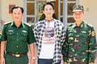 Hứa Vĩ Văn trao học bổng, thăm các chốt chống dịch biên giới