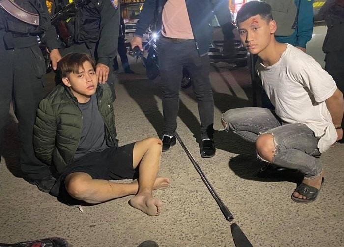Cảnh sát nổ súng, truy bắt 2 nam sinh xách dao đi giải quyết mâu thuẫn