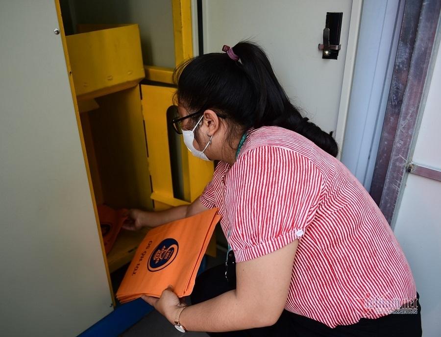 Nhanh không ngờ khi làm thủ tục với máy ATM nhận trả hồ sơ tự động
