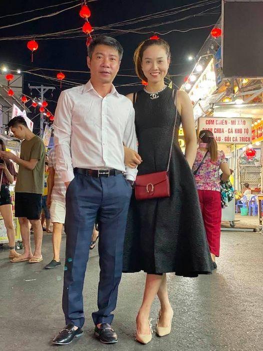 Công Lý dẫn vợ kém 15 tuổi khám phá chợ đêm