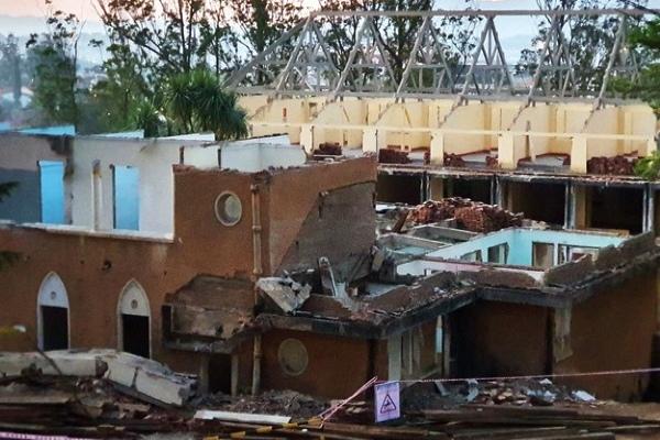 Sập nhà cổ ở Đà Lạt, 2 công nhân tử vong