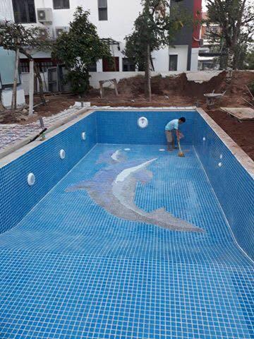 Xây bể bơi 'ngốn bộn tiền', dùng vài tháng ôm nặng cả năm