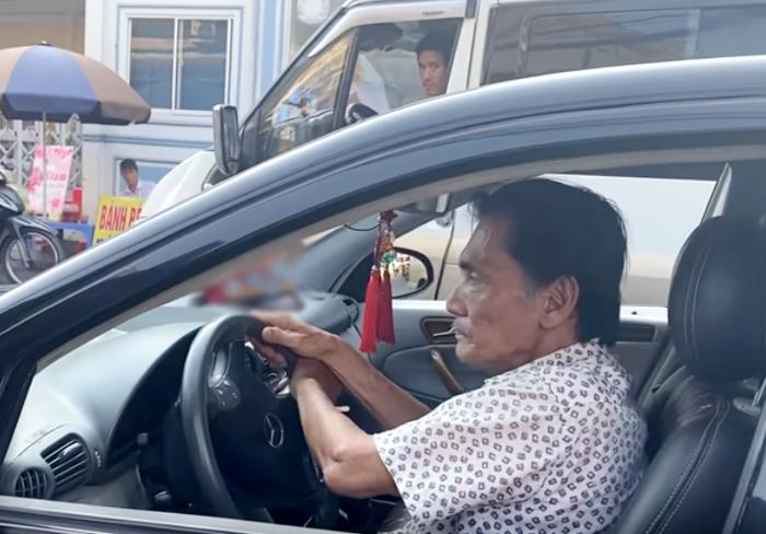 Thương Tín phải châm cứu chân, cho thuê xe được tặng lấy tiền chi tiêu - VietNamNet