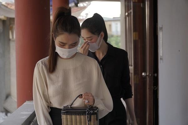 Đặng Thu Thảo, Đông Nhi xúc động tiễn biệt chuyên gia trang điểm Minh Lộc