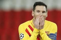 Messi sút hỏng phạt đền trước PSG, điều lạ lùng khó tin ở Barca