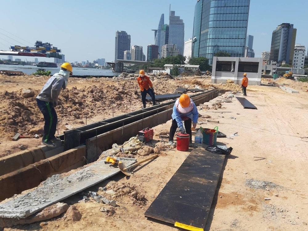 Tháo dỡ toàn bộ rào chắn thi công nhà ga trung tâm tuyến metro số 1