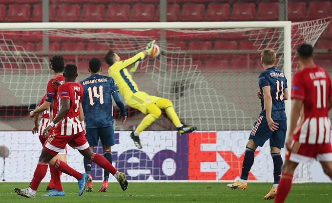 Đè bẹp Olympiacos, Arsenal đặt 1 chân vào tứ kết Europa League
